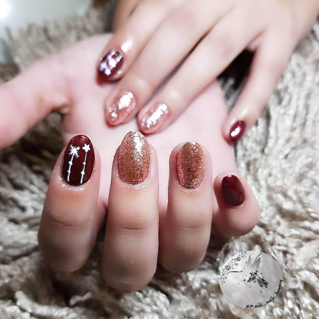 ongles élégants décorés de Noël
