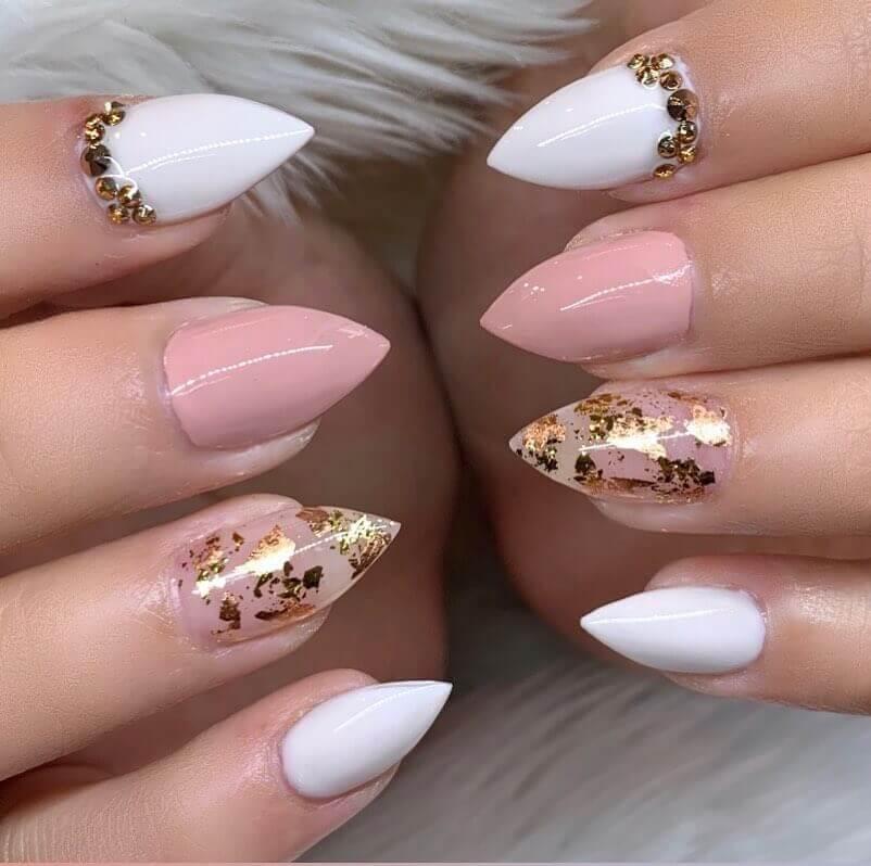 Décoration élégante pour les ongles
