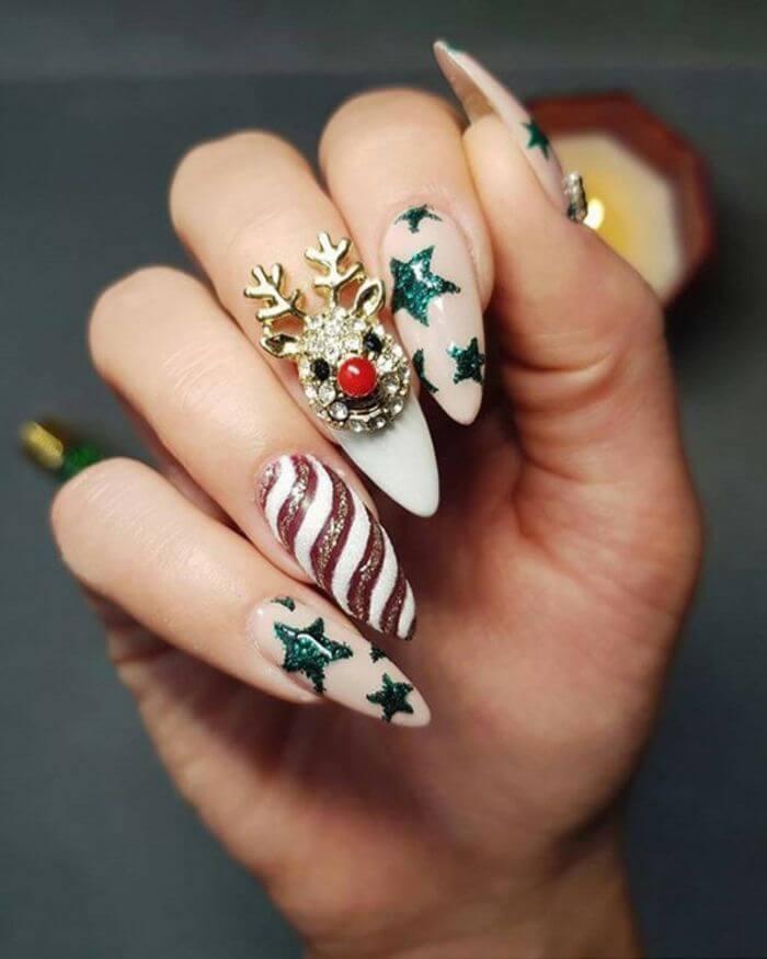 ongles élégants en acrylique pour Noël