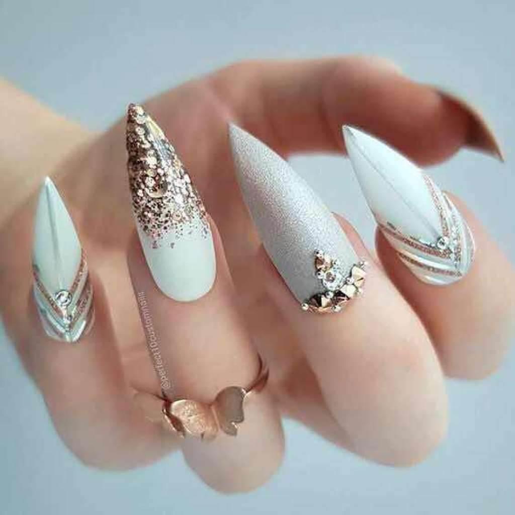 ongles en acrylique pour les mariées