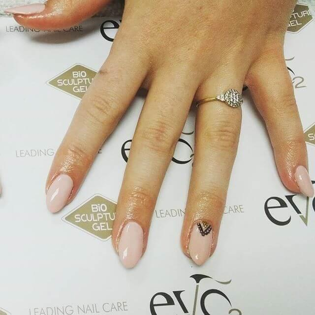ongles en caviar nature