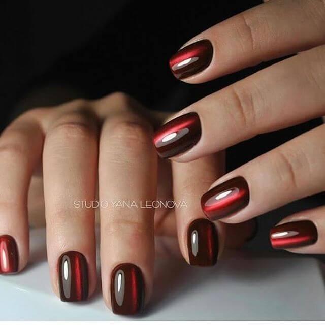 ongles en gel rouge rubis