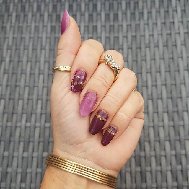 ongles en gel violet