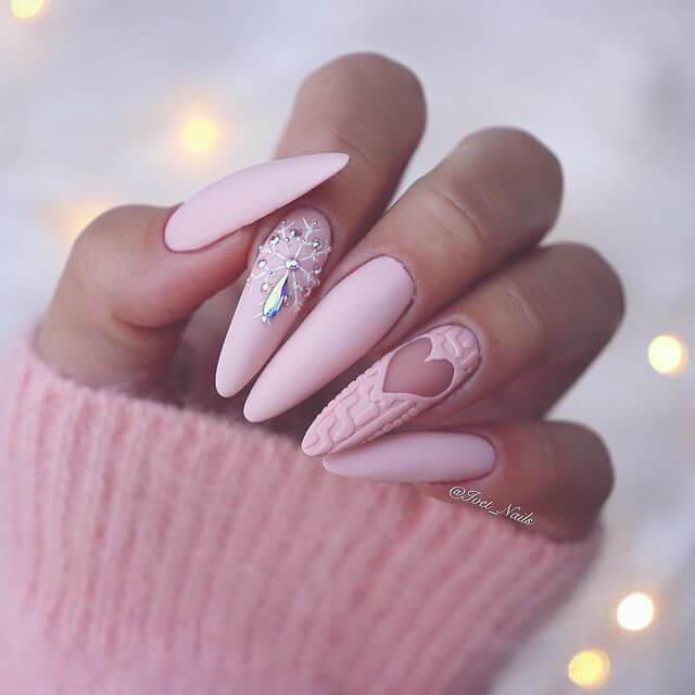 ongles en porcelaine décorés