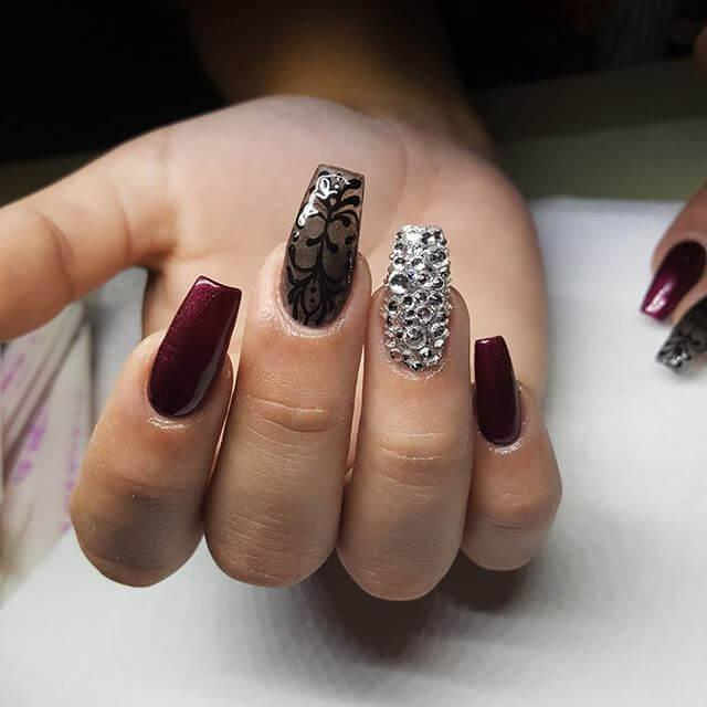 ongles en porcelaine galbés