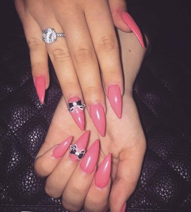 ongles en porcelaine rose