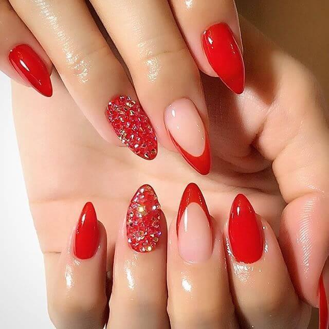 ongles en porcelaine rouge