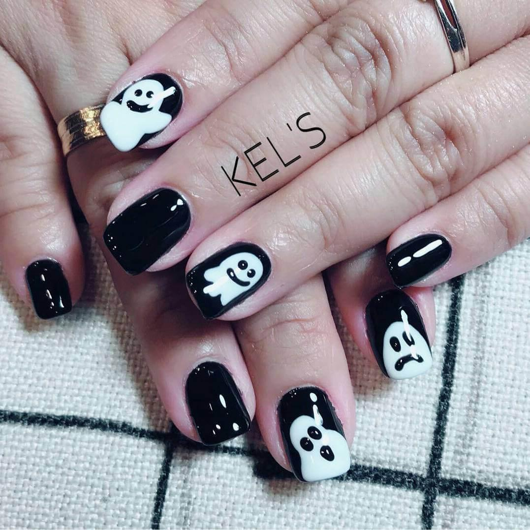 ongles noirs pour l'halloween