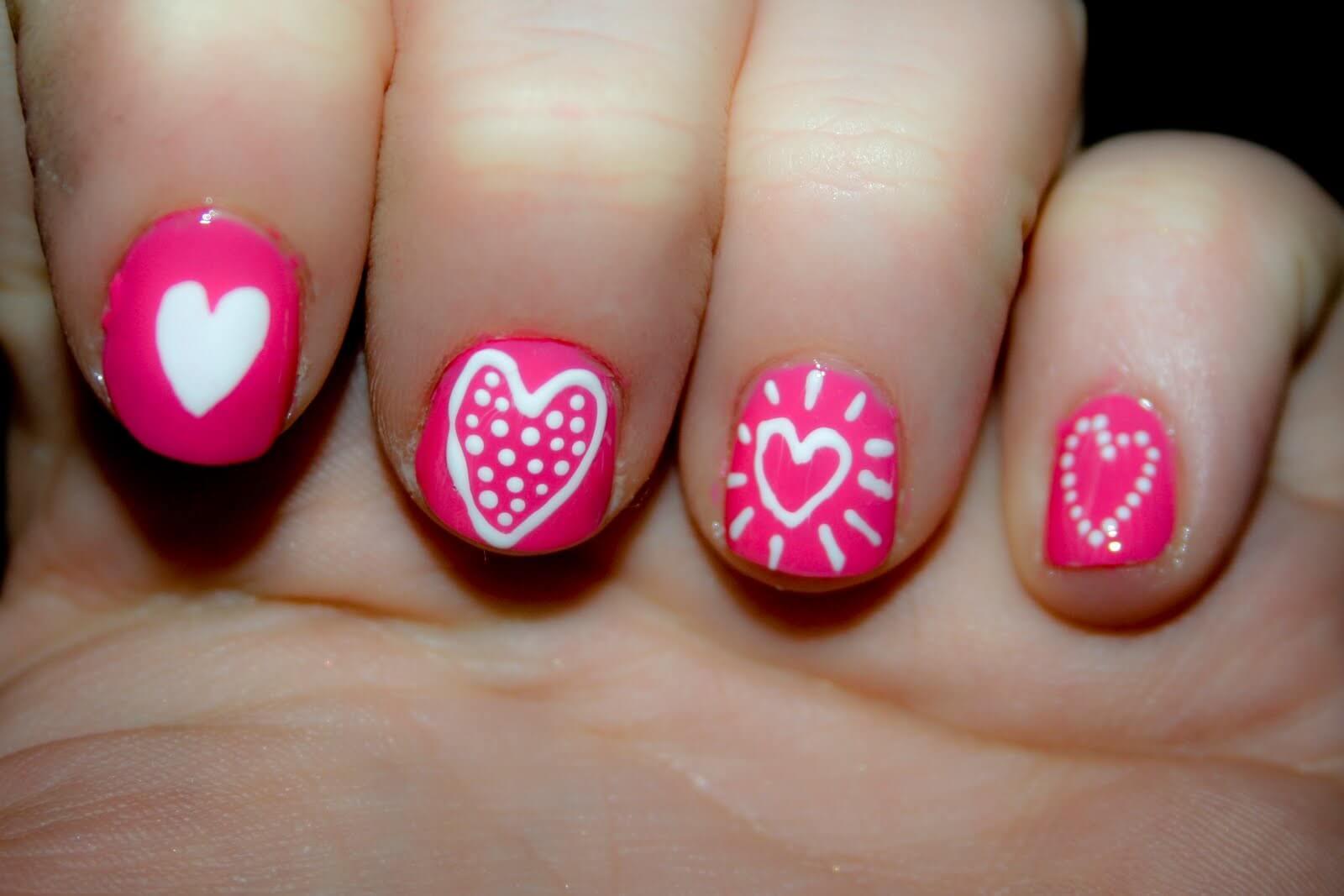 Des ongles d'amour avec des cœurs pour les romantiques! + 170 designs 15