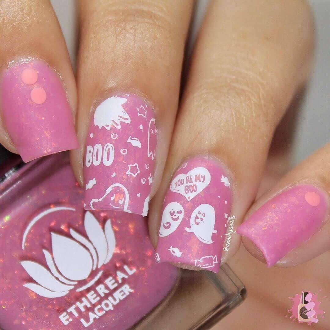 ongles roses d'halloween