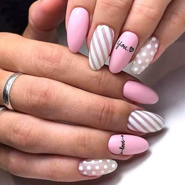 Ongles roses modernes