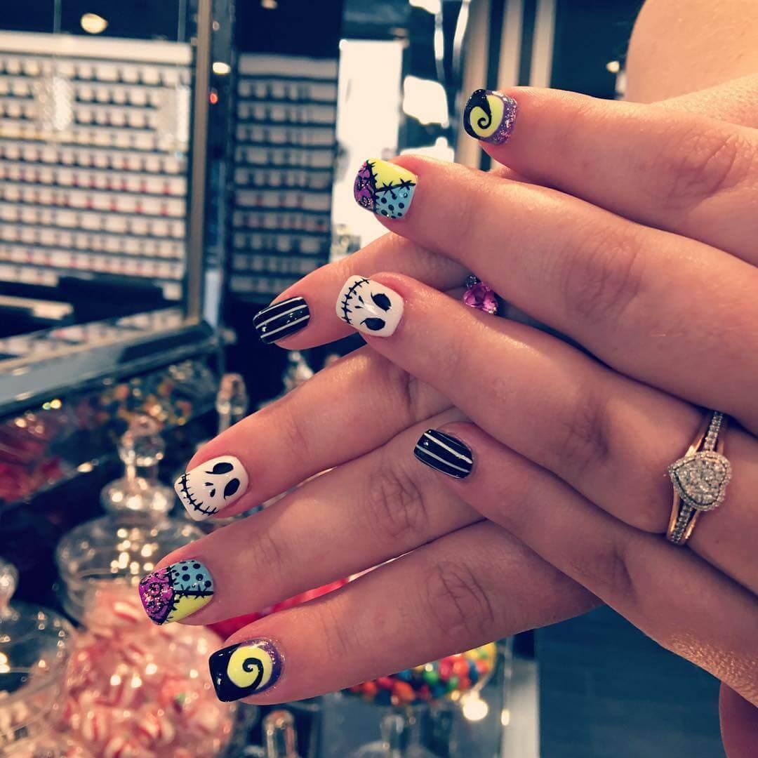ongles sacrés décorés