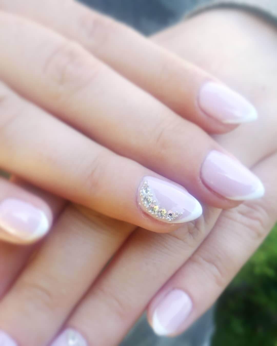 ongles simples pour la mariée