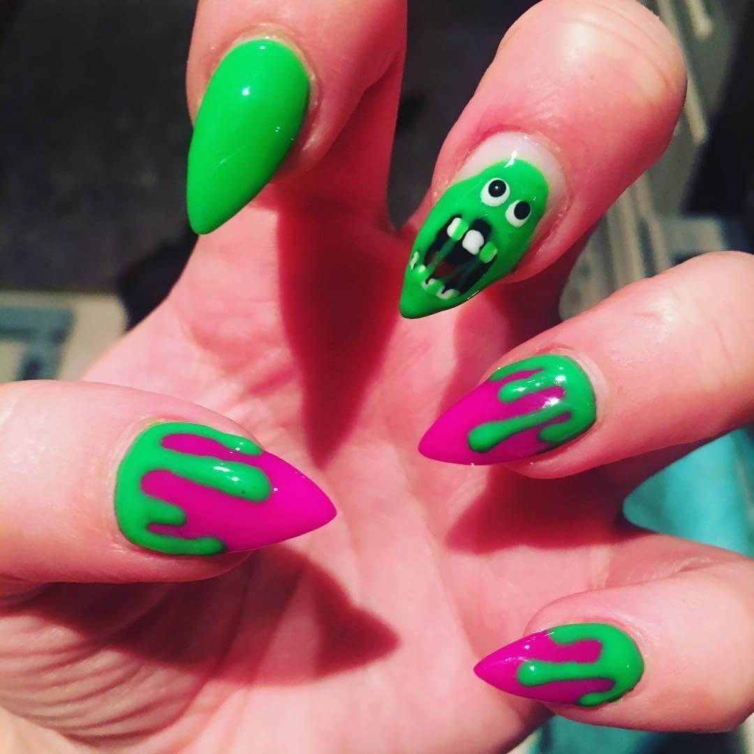 ongles verts fantôme halloween