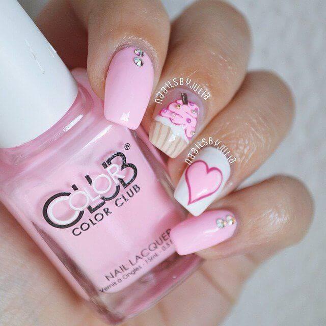 Des ongles d'amour avec des cœurs pour les romantiques! + 170 designs 17